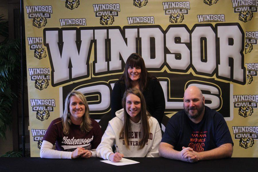 Bailey Signs To Play Volleyball
