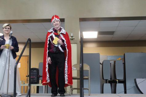 Windsor Crowns New Mr. WHS