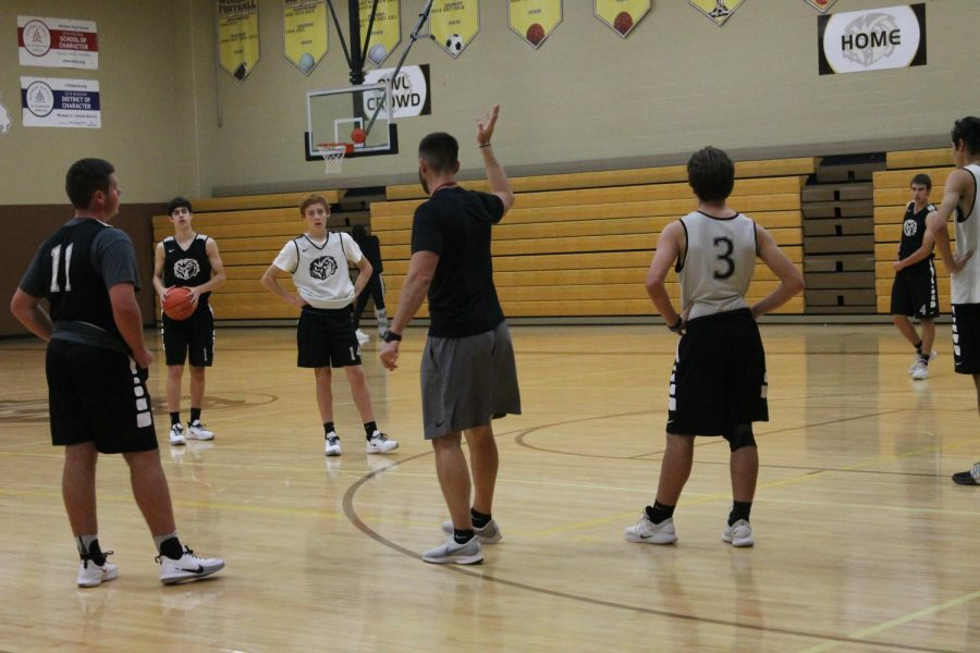 Winter+Sports+Preview%3A+Boys+Basketball