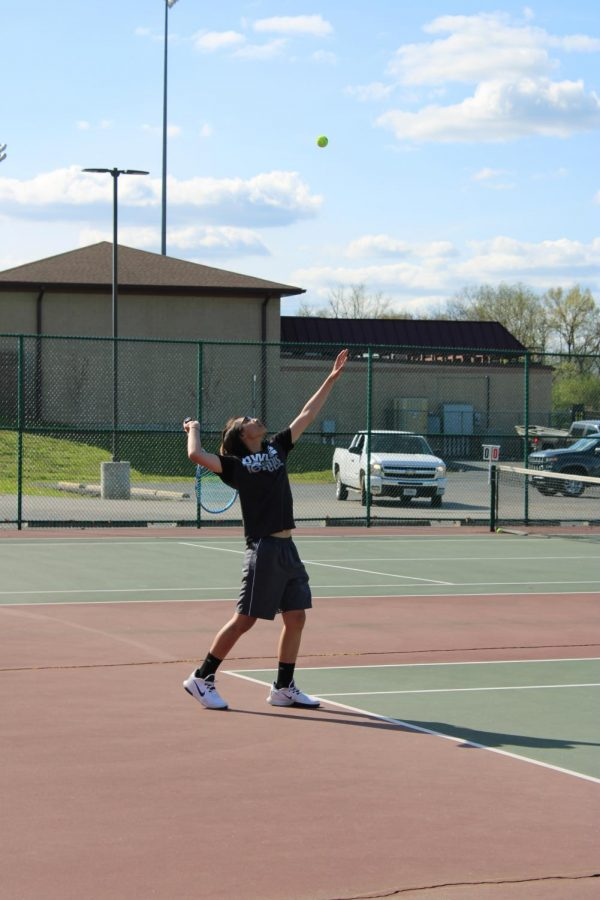 Tennis: Young Owls Looking To Improve