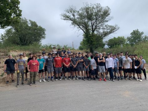 In August, the Owls completed some community service in Kimmswick.